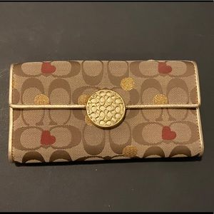 RARE Vintage Coach full size Heart Wallet
